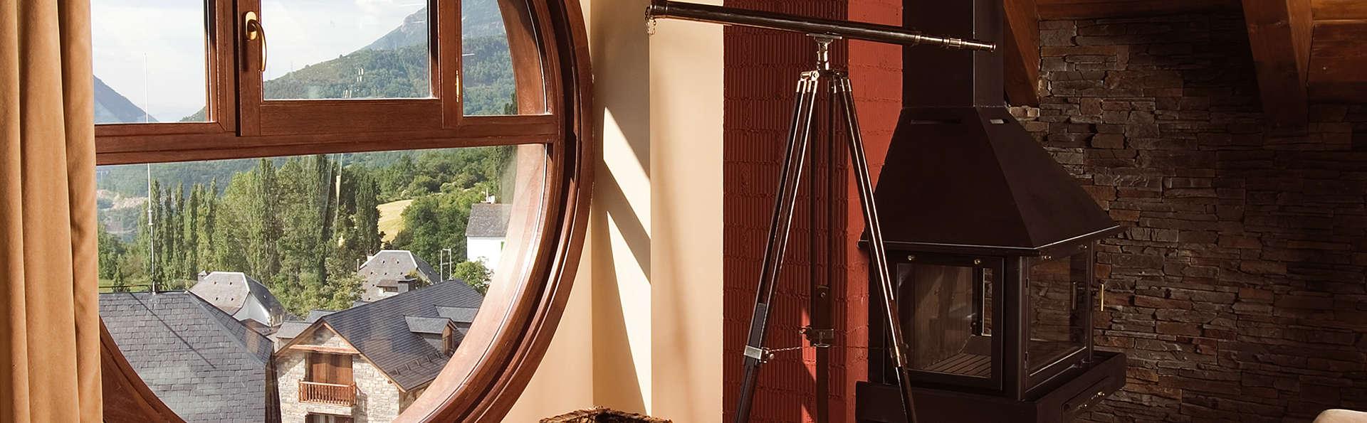 Hotel El Privilegio de Tena - Edit_Room5.jpg