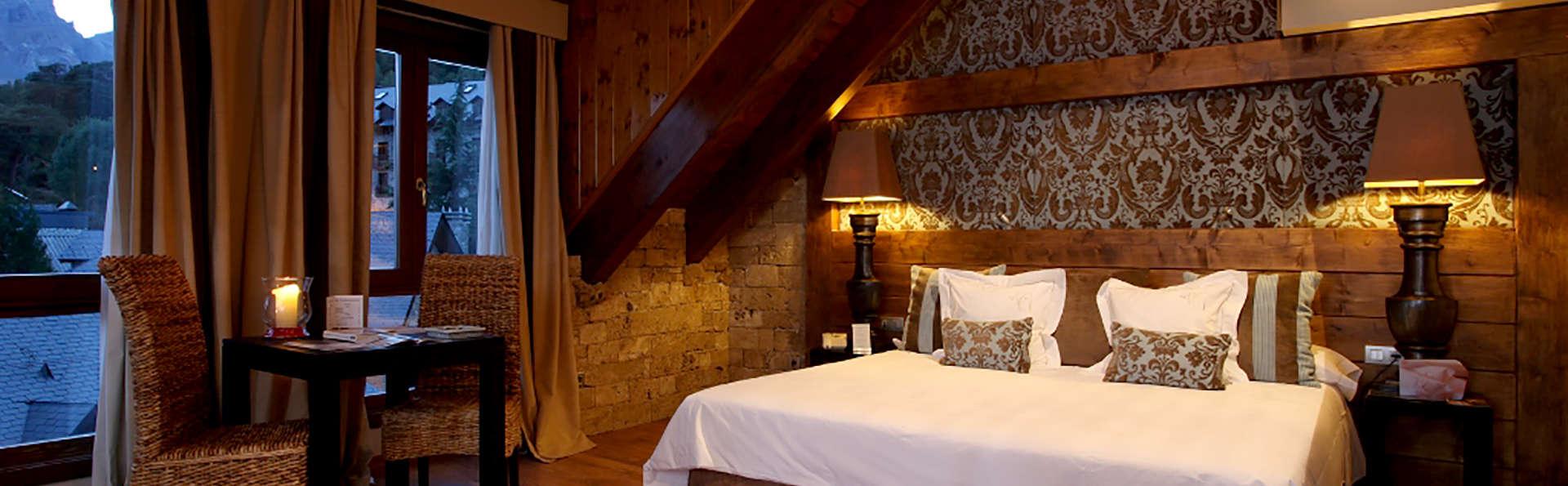 Relax en el Pirineo Aragonés con spa de 350m, rutas de senderismo y mucho más (desde 2 noches)