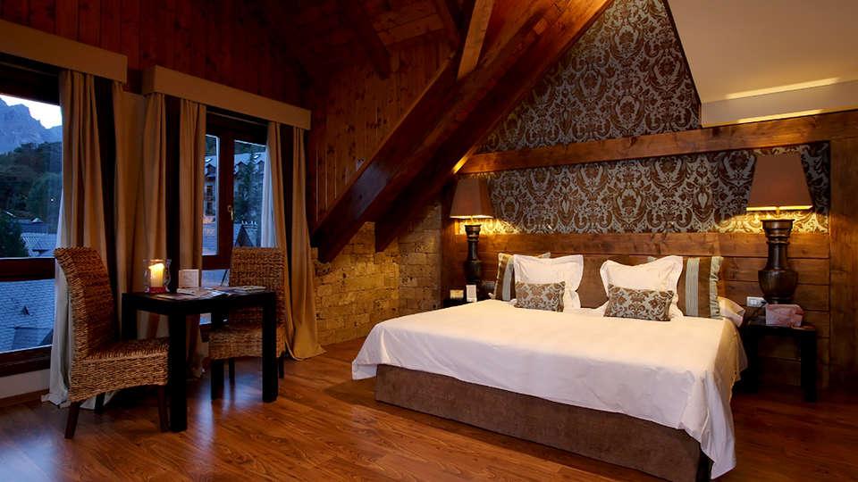 Hotel El Privilegio de Tena - Edit_Room7.jpg