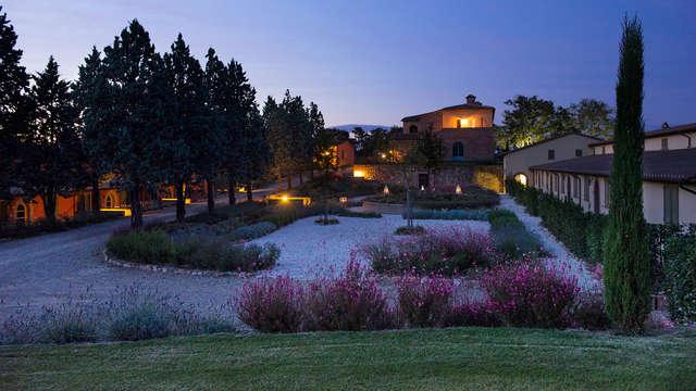 Escapada relax con masaje ayurvédico y cena en la Toscana (desde 2 noches)