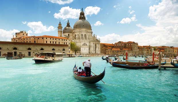 Sur les canaux de Venise en gondole (à partir de 2 nuits)