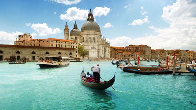 Due notti alle porte di Venezia con romantico giro in gondola incluso!