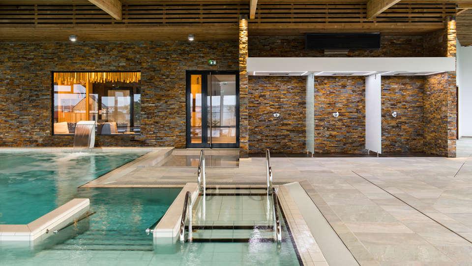 Thalasso Concarneau Spa Marin Resort - edit_pool03.jpg
