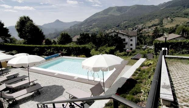 Soggiorno rilassante tra le montagne con piscina, vicino ai laghi di Como e Lugano!
