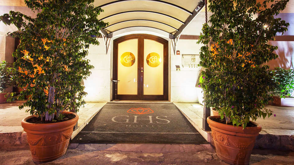 Hotel Vecchio Borgo - edit_ENTRANCE.jpg