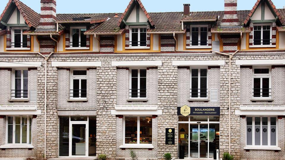 La Ruche - edit_facade.jpg