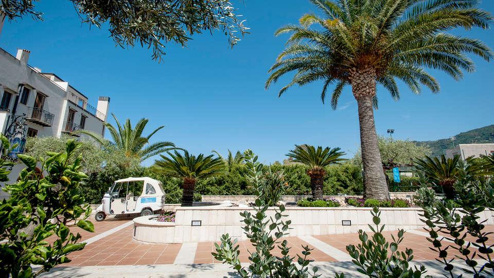 Hotel Baia del Capitano - Edit_Enrty2.jpg