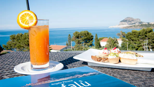 Oferta a partir de 3 noches en la costa de Cefalú con botella en habitación y acceso a la playa