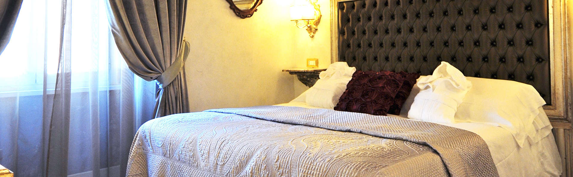 Hotel Romanico Palace - EDIT_room1.jpg