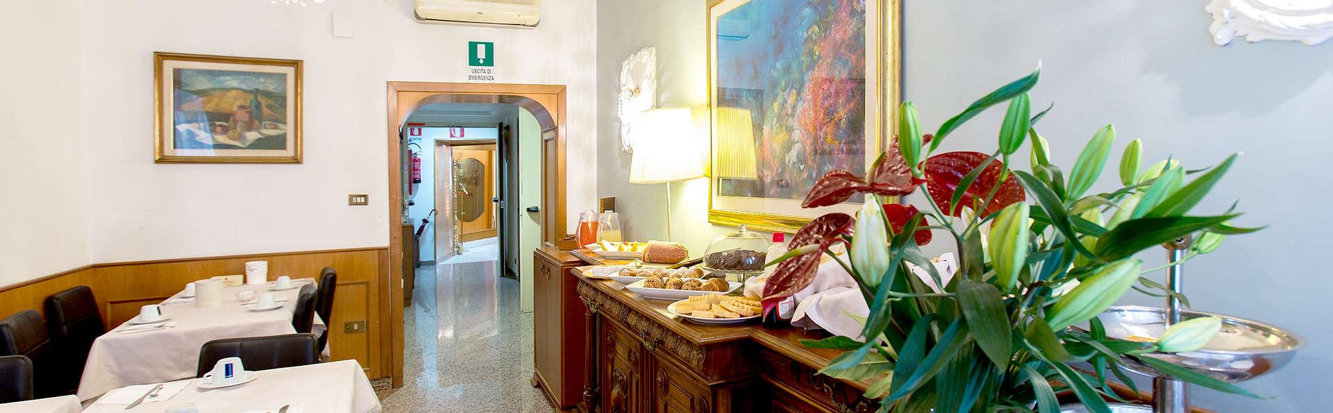 Hotel Gabriella - Edit_Restaurant.jpg