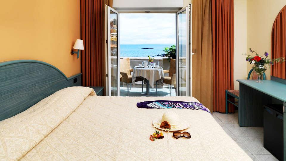 Hotel Riviera Ristorante Fofó - EDIT_Camera-Matrimoniale.jpg
