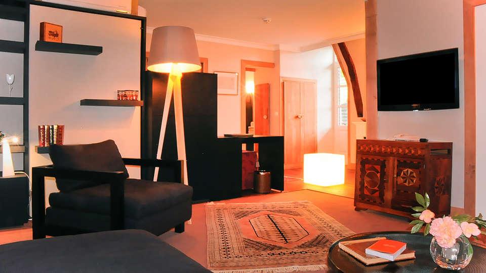 Hostellerie de la Maronne - edit_room1.jpg