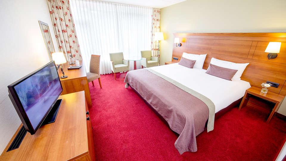 Hotel De Bilderberg - Edit_Room.jpg
