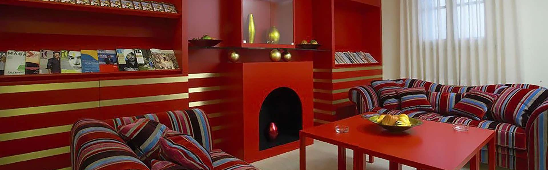 Hotel Garibaldi - Edit_Lounge.jpg