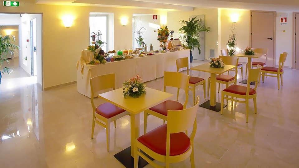 Hotel Garibaldi - Edit_Restaurant3.jpg