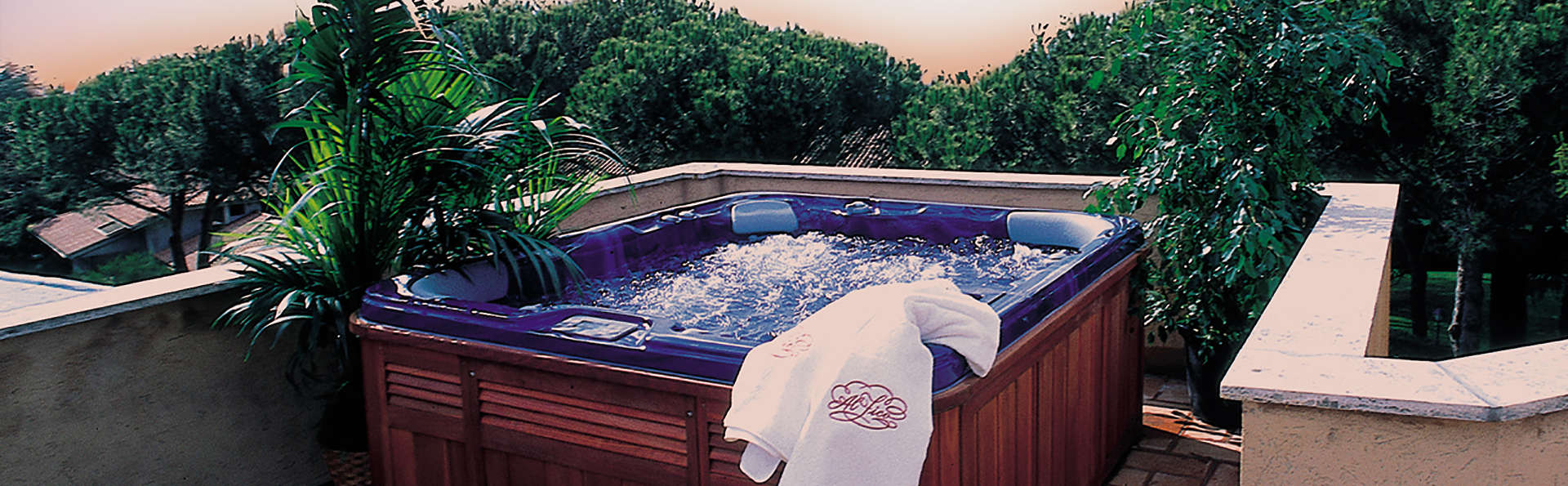 Hotel La Locanda dei Ciocca - Edit_Jacuzzi.jpg