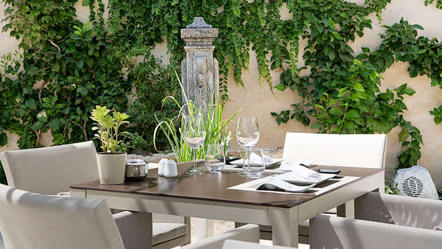 Relax & sibarita: Córdoba de lujo con sesión de spa y cena gastronómica
