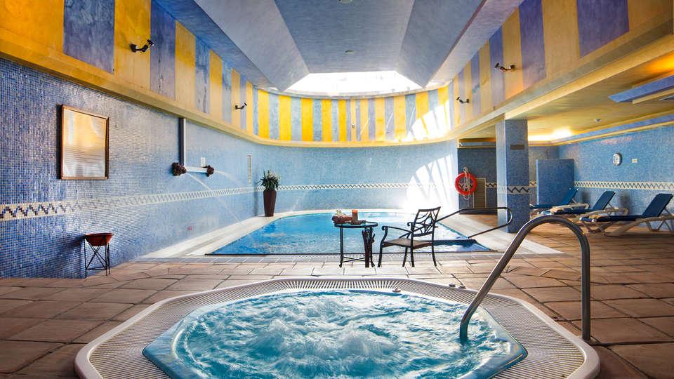Hotel Antequera by checkin - edit_spa2.jpg