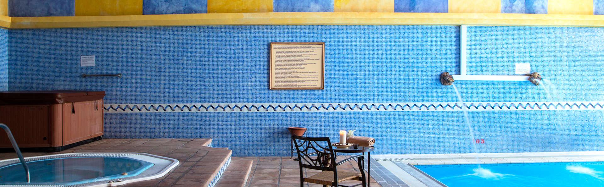 Profitez de la gastronomie andalouse en pension complète et accédez au spa d'Antequera