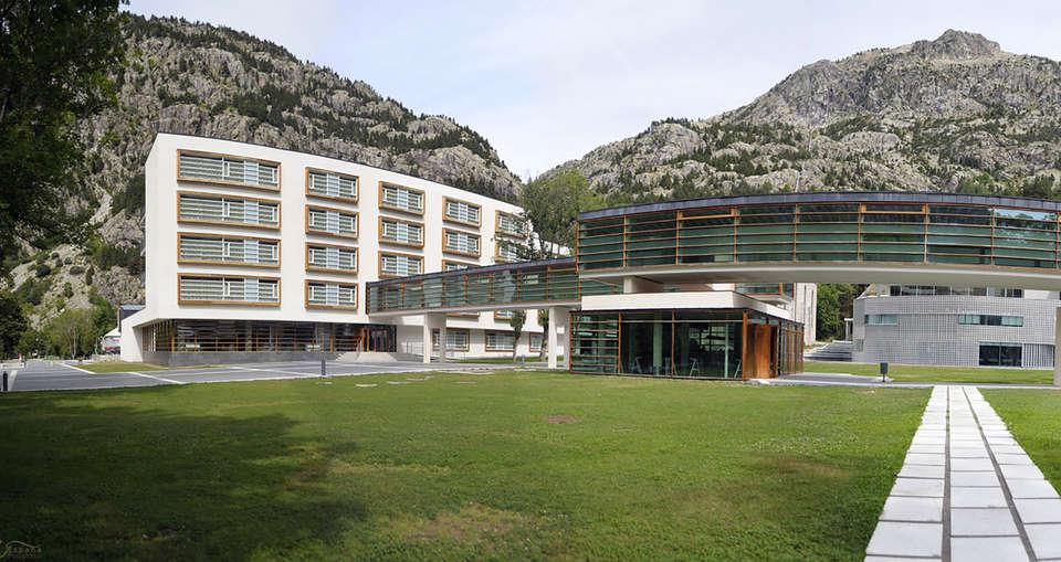 Hotel Continental Balneario de Panticosa  - edit_facade1.jpg