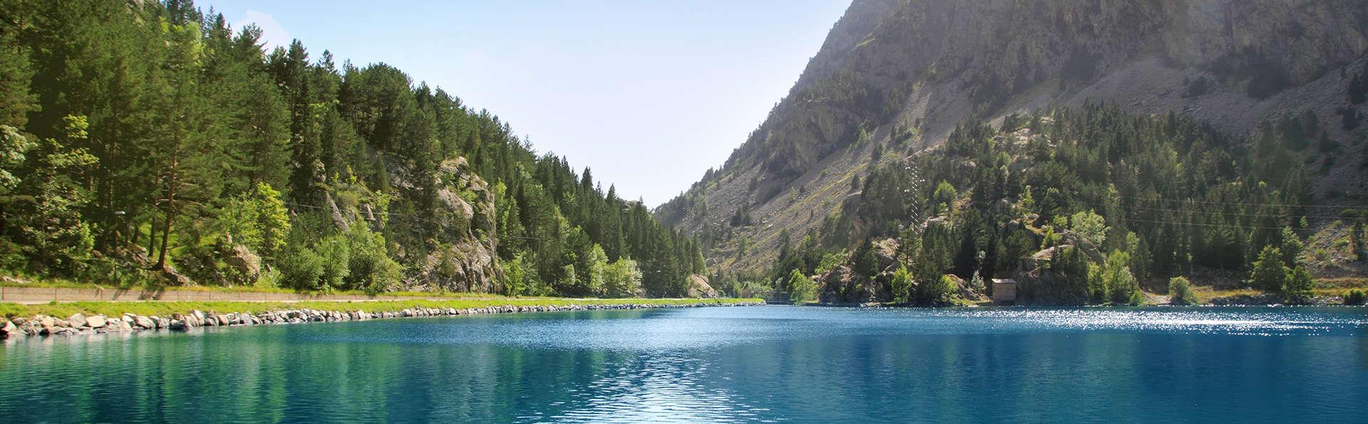 Fin de semana relax: circuito termal y media pensión entre montañas (desde 2 noches)