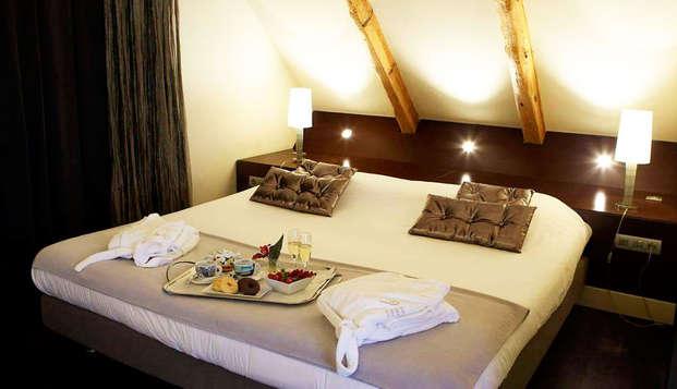 Escapada premium: Alójate en una habitación superior con hidromasaje privado, spa, cena y mucho más