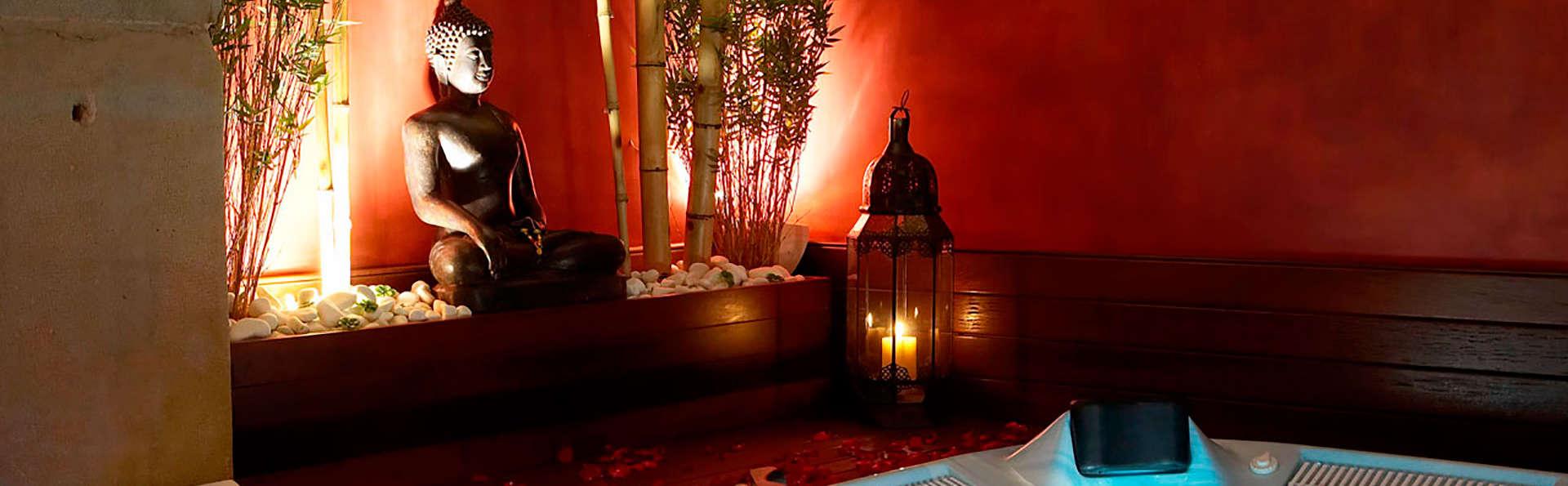 Romantisme, luxe et charme avec hydromassage dans la chambre et accès à un espace détente
