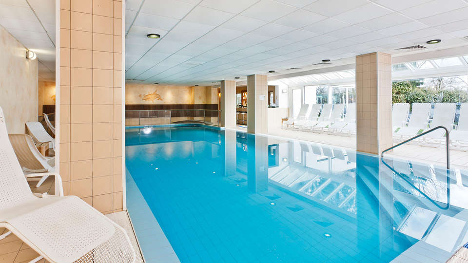 Silva Hotel Spa-Balmoral - Edit_Pool.jpg