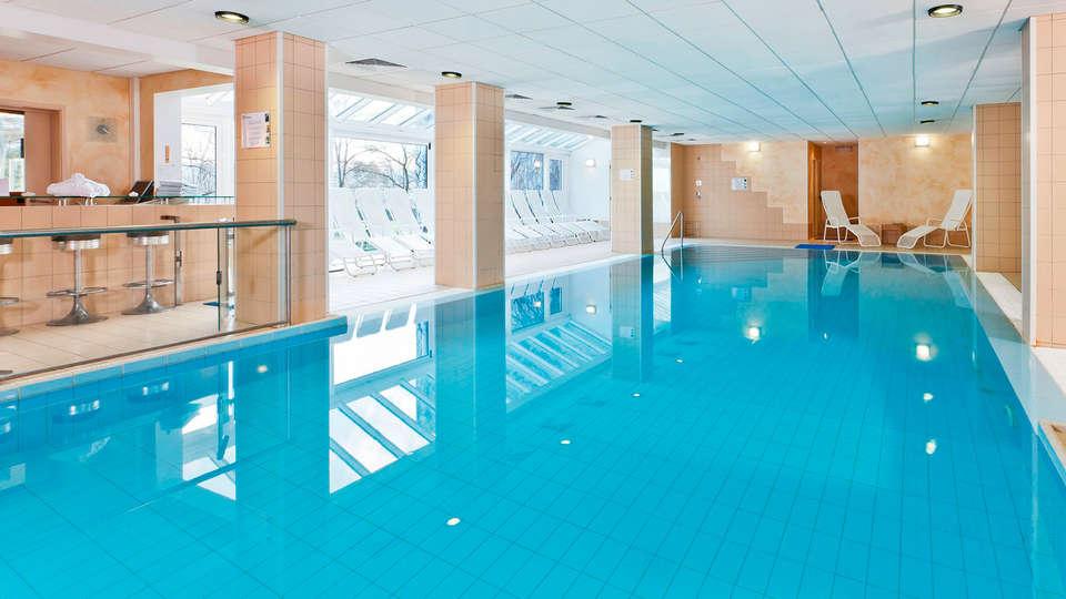 Silva Hotel Spa-Balmoral - Edit_Pool2.jpg