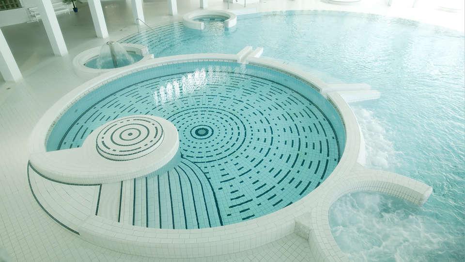 Silva Hotel Spa-Balmoral - Edit_spa3.jpg
