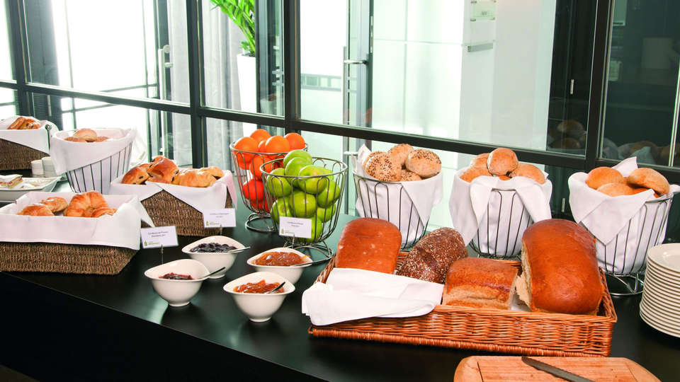 Radisson Blu Palace Hotel - edit_breakfast.jpg