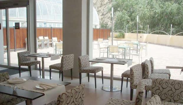 Escapada en Media pensión con acceso a Piscinas termales en el Balneario de Archena
