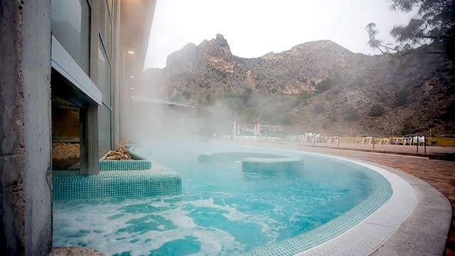 Escápate a Archena con piscina termal ilimitada y un circuito termarchena y balnea incluidos
