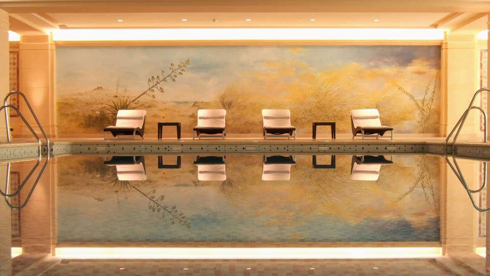 Hotel Envía Almería Spa & Golf - edit_pool_in.jpg