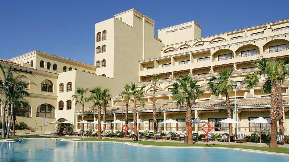 Hotel Envía Almería Wellness & Golf - edit_pool_facade.jpg
