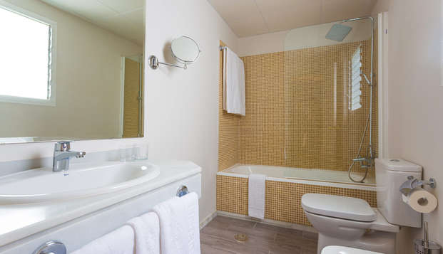 Urban Dream Granada - bathroom