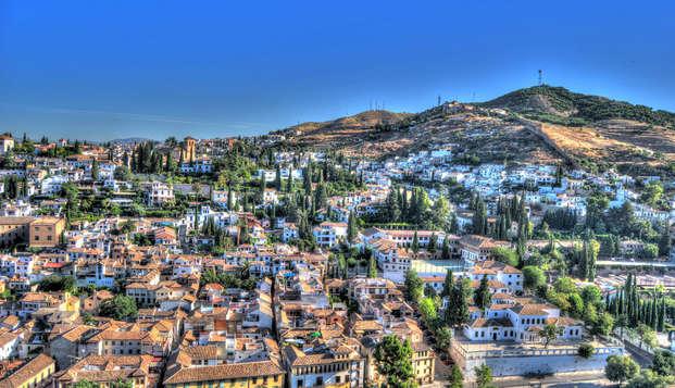 Escapada a Granada en habitación triple: descubre la capital de Reino Nazarí