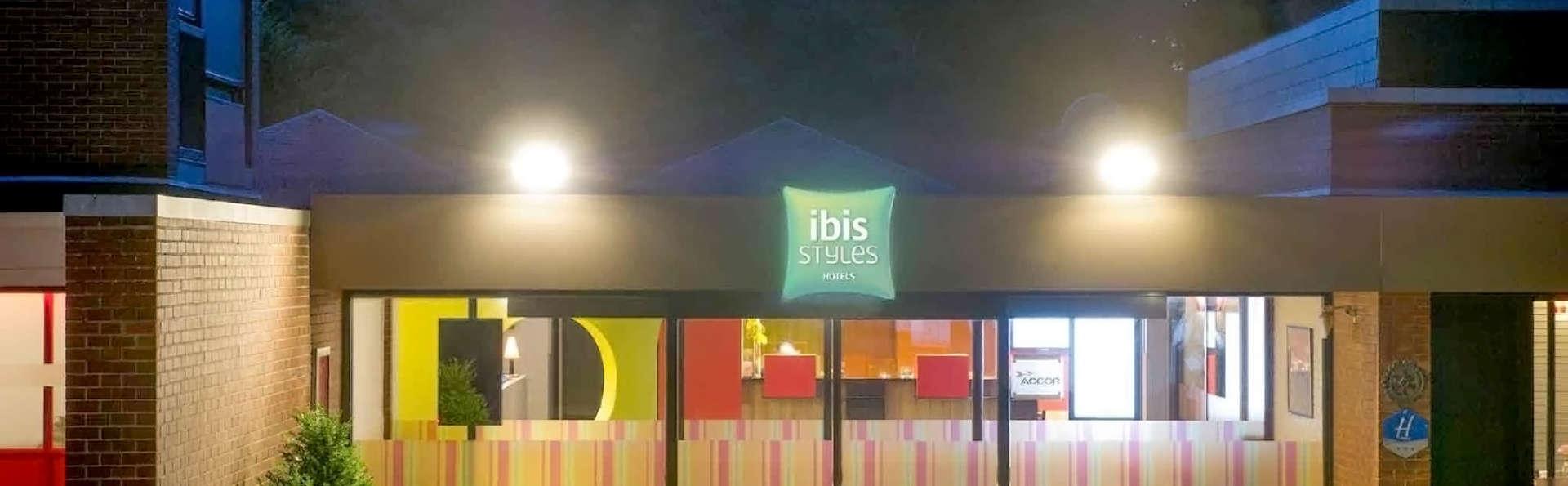 ibis Styles Louvain-la-Neuve - Edit_Front.jpg