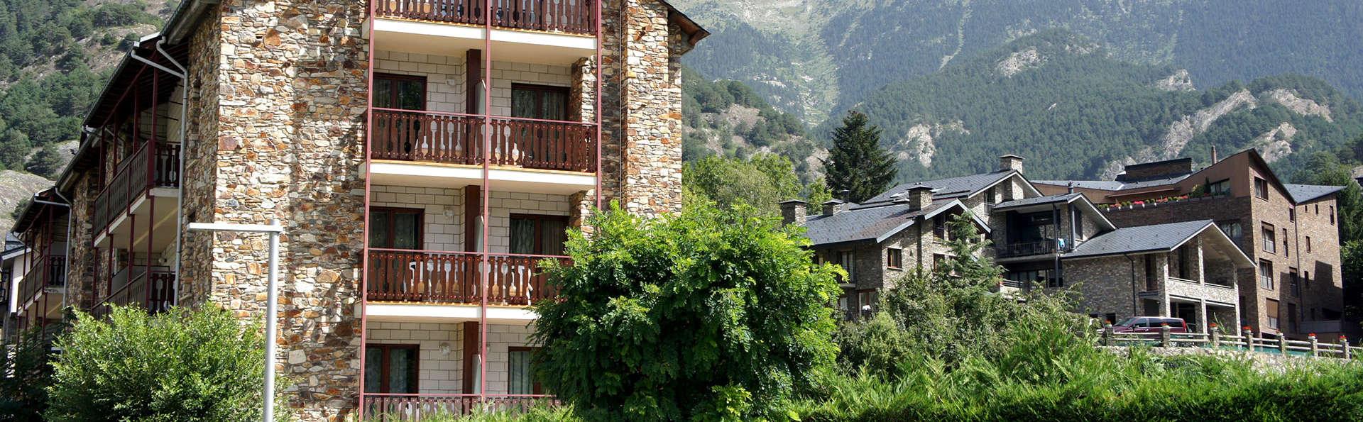 Hotel La Planada - EDIT_front1.jpg