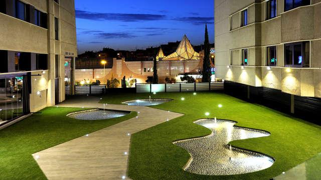 Escapada a Granada en hotel céntrico de 4* con desayunos gratuitos y acceso a la piscina cubierta