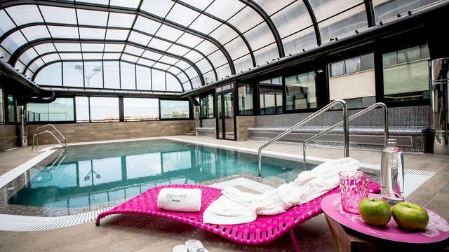 Escapada en el centro de Granada en familia con piscina para refrescarse