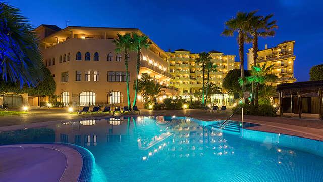 Escapada Romántica en un oasis con vistas al mediterráneo, sesión de Spa y Cena incluidos
