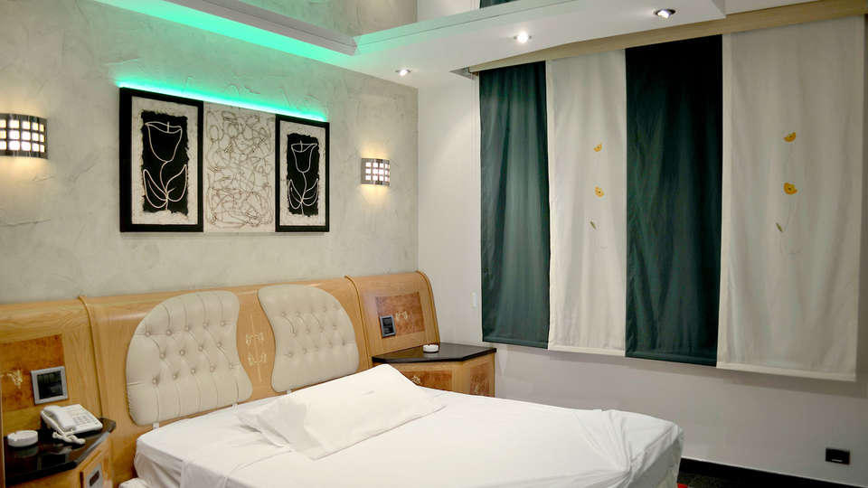 Hotel Zouk - Edit_room10.jpg