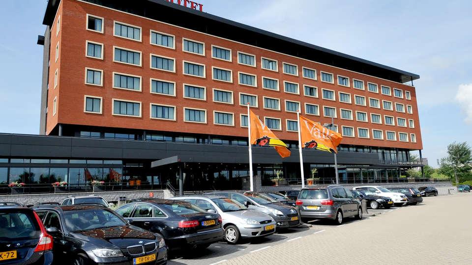 Van der Valk Hotel Den Haag - Nootdorp - Edit_Front.jpg