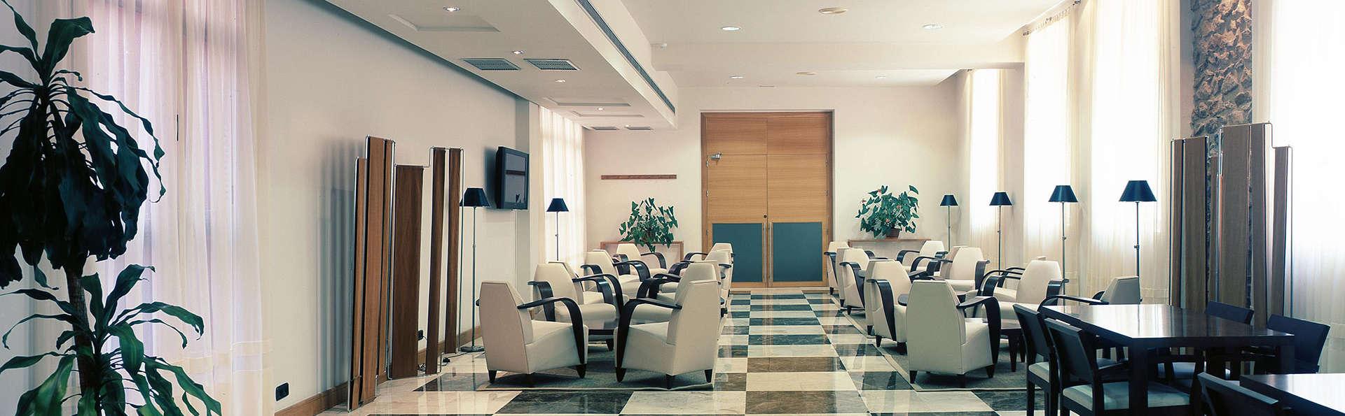 Balneario de Archena - Hotel Levante - edit_salon.jpg