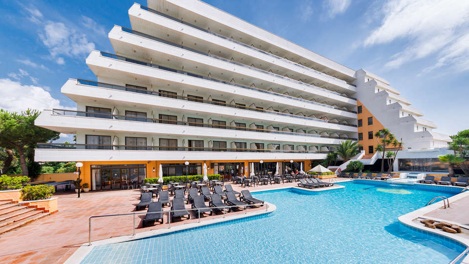 Hotel Tropic Park - edit_pool_facade.jpg