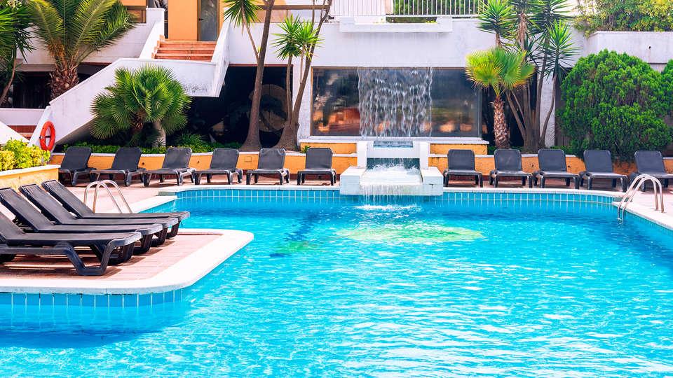 Hotel Tropic Park - edit_pool.jpg