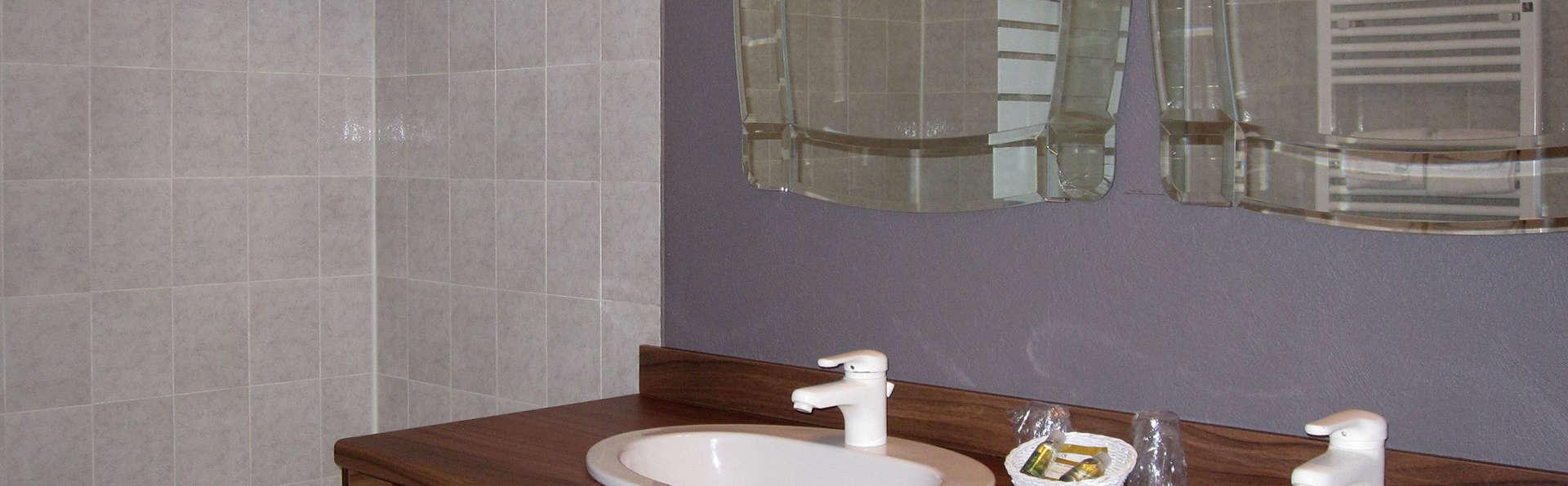 Manoir du Grand Vignoble - edit_bathroom5.jpg