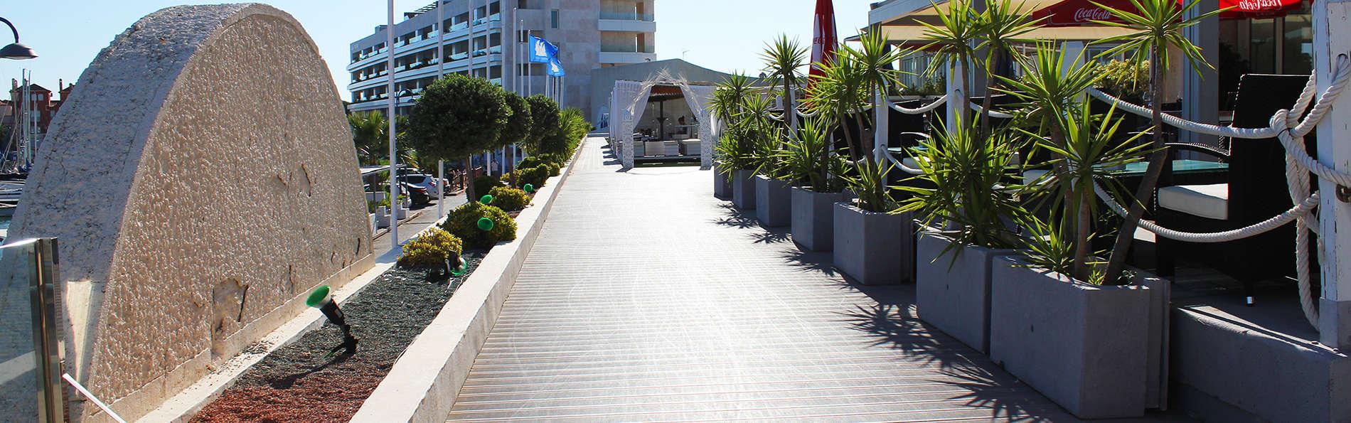 Hotel Puerto Sherry - edit_ENTRANCE.jpg