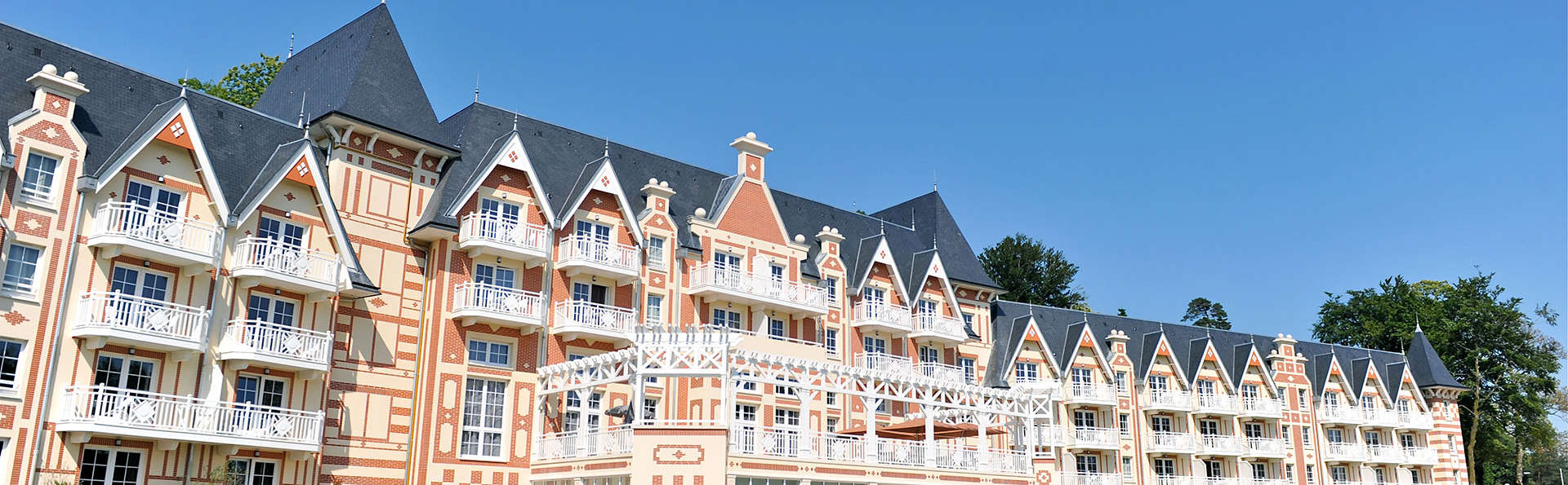 B'O resort Bagnoles de l'Orne - Edit_Front3.jpg